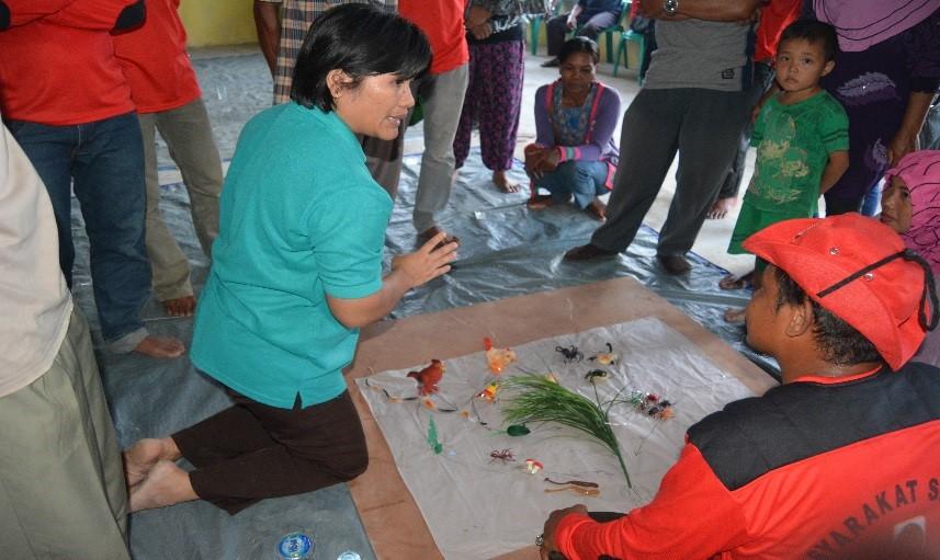 GAR's sociologists working with Masyarakat Siaga Api volunteers